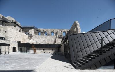 Basalt(e) uppdaterad slottsruin